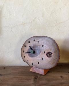 クス 木の時計