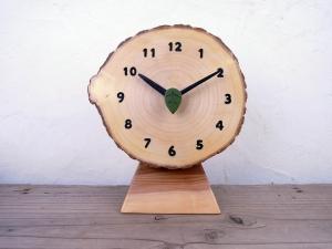木の時計 3連時計 木のギフト 葉っぱの秒針