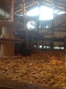 ユリイカ 凸凸製作所 愛媛 木工 イチョウの絨毯