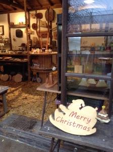 ユリイカ 凸凸製作所 愛媛 木工 クリスマス イチョウ イチョウの絨毯