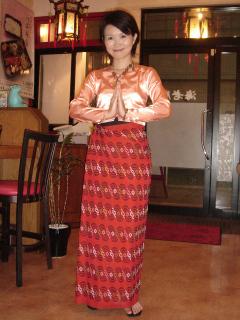 ミャンマーの民族衣装