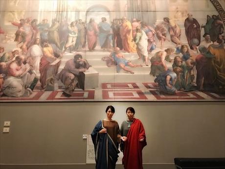 ルネサンス時代のラファエロ作「アテネの学堂」の「プラトン」をさっちゃんが「アリストテレス」をイカがなってみたreyoko.jpg