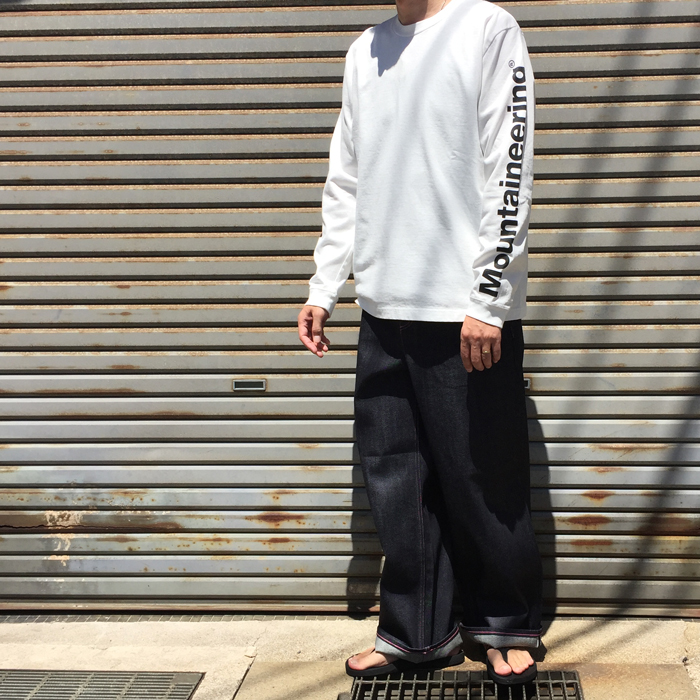 White Mountaineering/LOGO PRINTED SLEEVES SWEATSHIRT