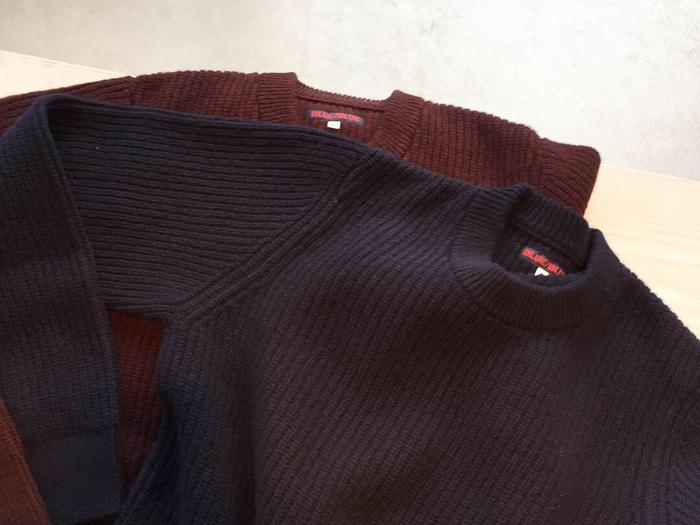 BLUE BLUE/ラムズウールアゼアミ ワンポケットセーター