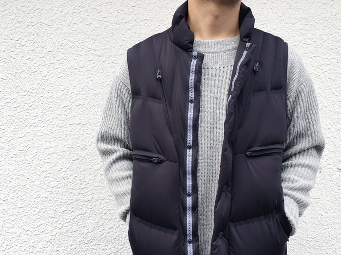 White Mountaineering(ホワイト マウンテニアリング)/SEAMLESS DOWN VEST (BLACK)
