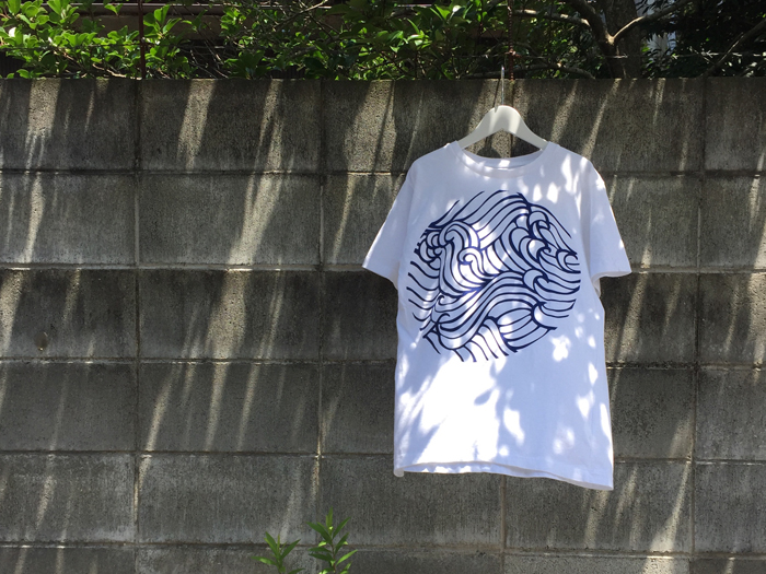 BLUE BLUE JAPAN/WAVE PATTERN PRINT HAND DYED SS TEE