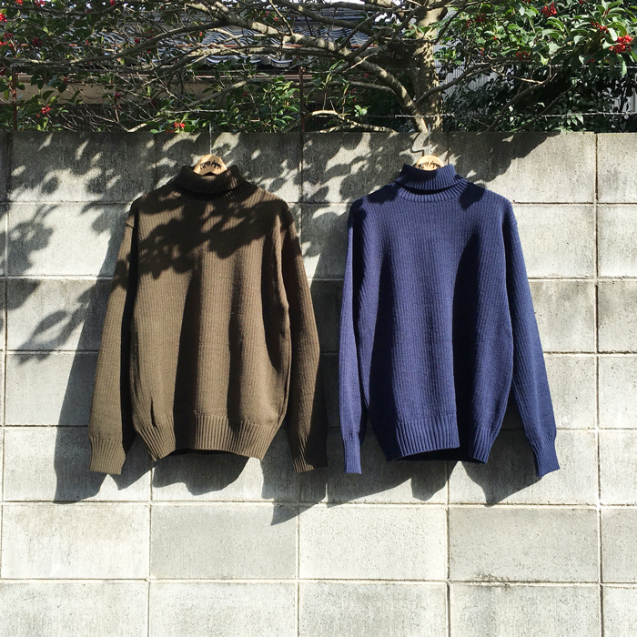 BLUE BLUE JAPAN/ACRYLIC RIDGEWAY TURTLENECK SWEATER