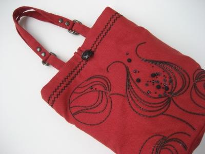 2017赤いバッグ