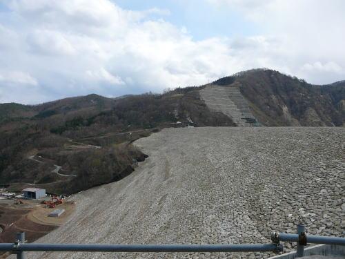 胆沢ダム2011。