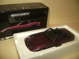 Minichamps 1/18 BMW Z1 Magic Violet