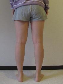 脚の測定113週目肩幅大に開いた脚