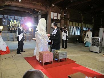 吉備津彦神社の指輪の交換
