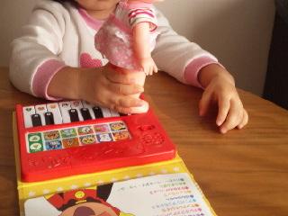 6日アンパンマンピアノ.jpg