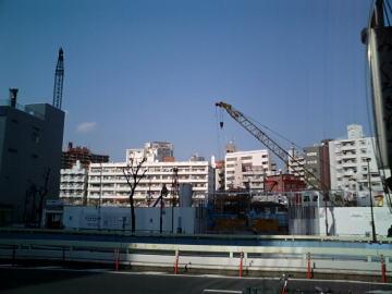 Vol.264 目黒川の桜満開-再開発で高層ビル建設開始 〜 中目黒