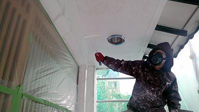 軒下の塗装