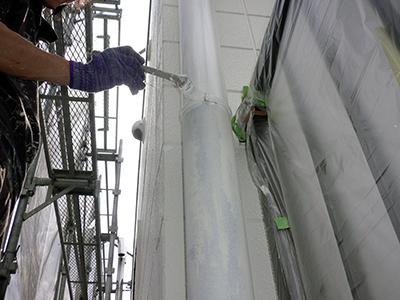 竪樋の塗装