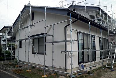 外壁塗装左官補修と足場2