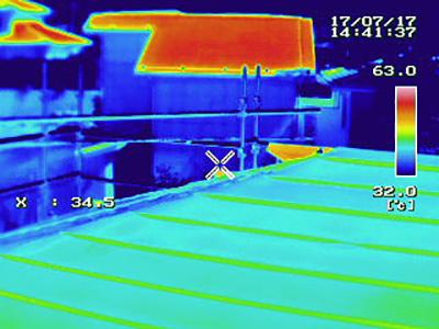 屋根塗装サーモグラフィー比較