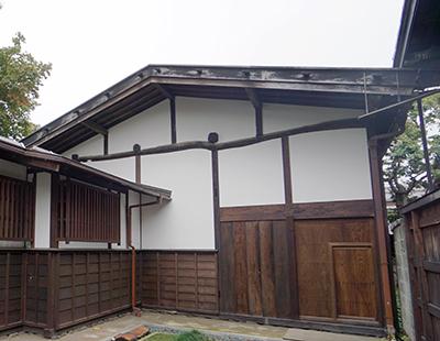 国指定重要文化財 小野家住宅施工前(破風板)