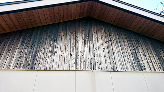 木製外壁、軒天
