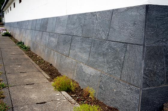 外塀_石貼り施工後