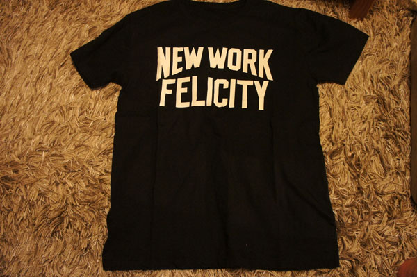 NEW WORK FELICITY Tシャツ