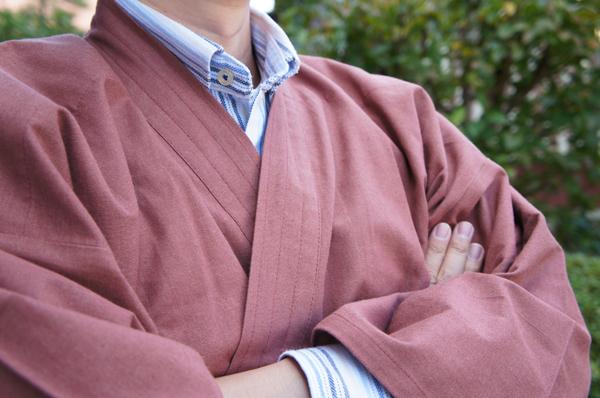 衿先の長い作務衣