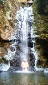 御岳山七代の滝での禊流滝行