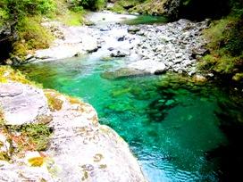 大滝の川面