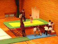 体操教室トランポリン