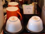 マグカップやインスタントコーヒーもあります