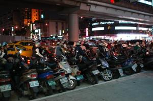 恐ろしい数のバイク