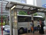 シャトルバスに乗ってホテルへ