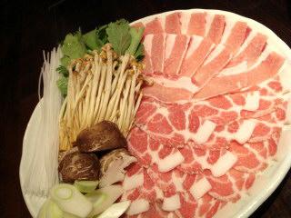 東京Xとみのう赤豚のハーフ&ハーフ