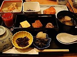 和朝食を頂きます