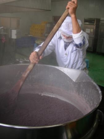釜餅のあん製造