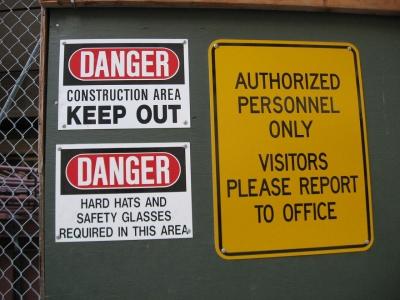 危険警告看板