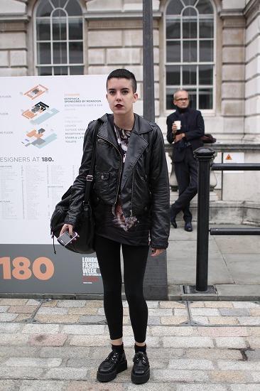 ロンドンストリートのファッションはいつも見ていて刺激を受けます↓↓↓