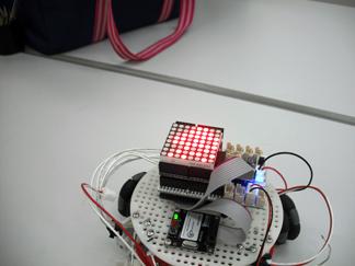 LED搭載ロボ