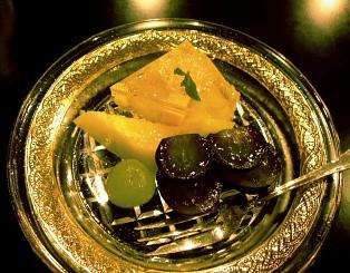 スィ−ツと果物のデザート