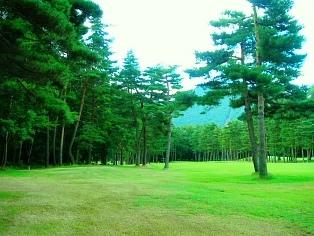 朝のゴルフ場