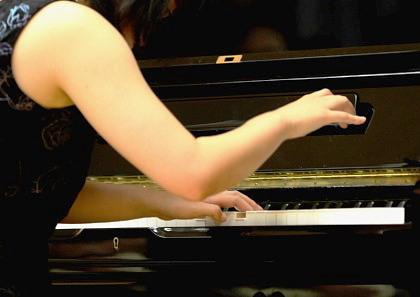 ♪ ピアノの音色が聞こえます