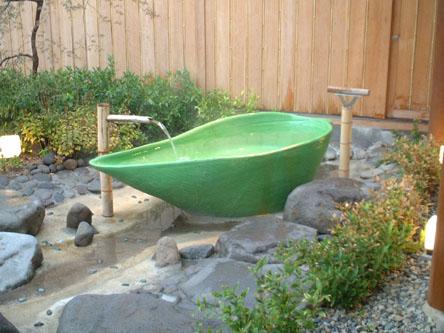 月の池「笹舟風呂」