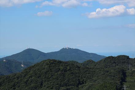 山頂から見える皿倉山