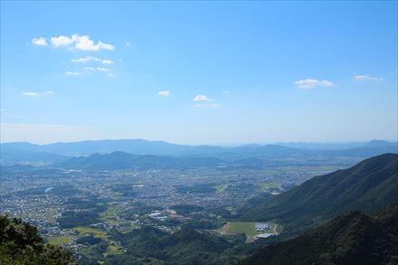 山頂からの犬鳴方面の景色
