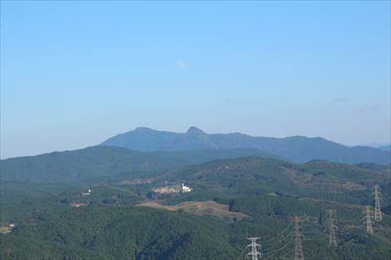 砥上岳山頂からの景色(南)