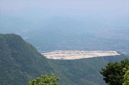 牛斬山山頂からの一ノ岳