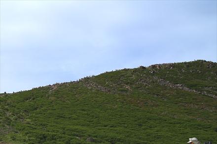 久住山へ向かう登山者