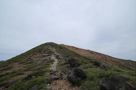 稲星山の登山道