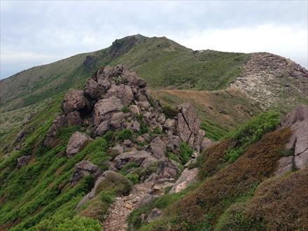 星生山の岩場